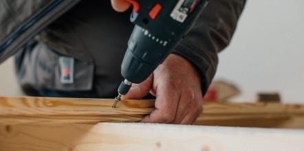 Artisans charpente visseuse bois