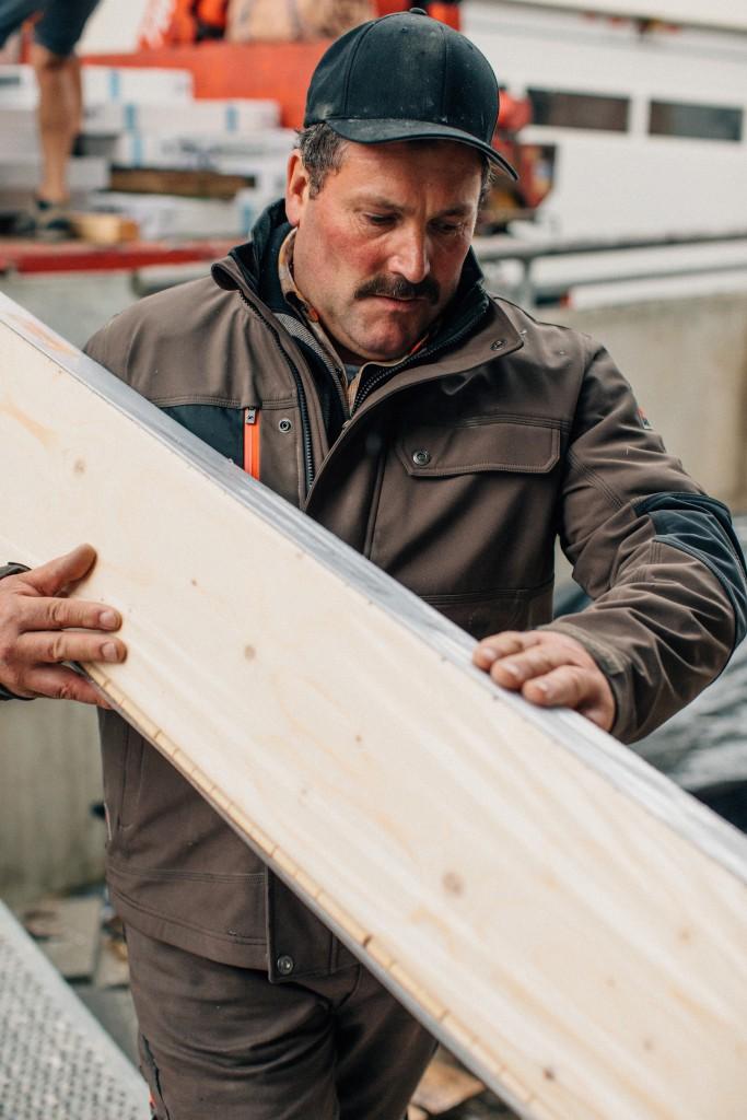Artisans construction maison bois
