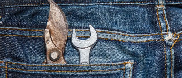 blue jeans avec outils de travail