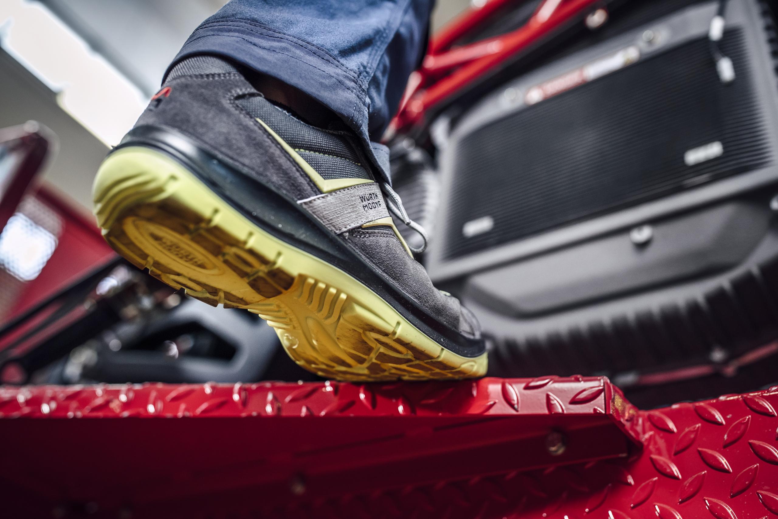 Chaussures de sécurité isolantes pour électricien