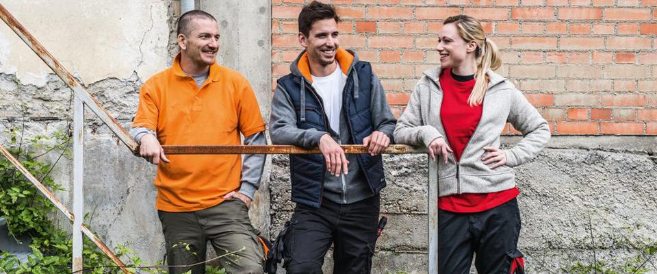 stylische Arbeitsbekleidung im Street-Style-Look