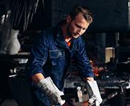 Multinorm Kollektion: funktionelle und praktische Arbeitskleidungfuer Schweisser